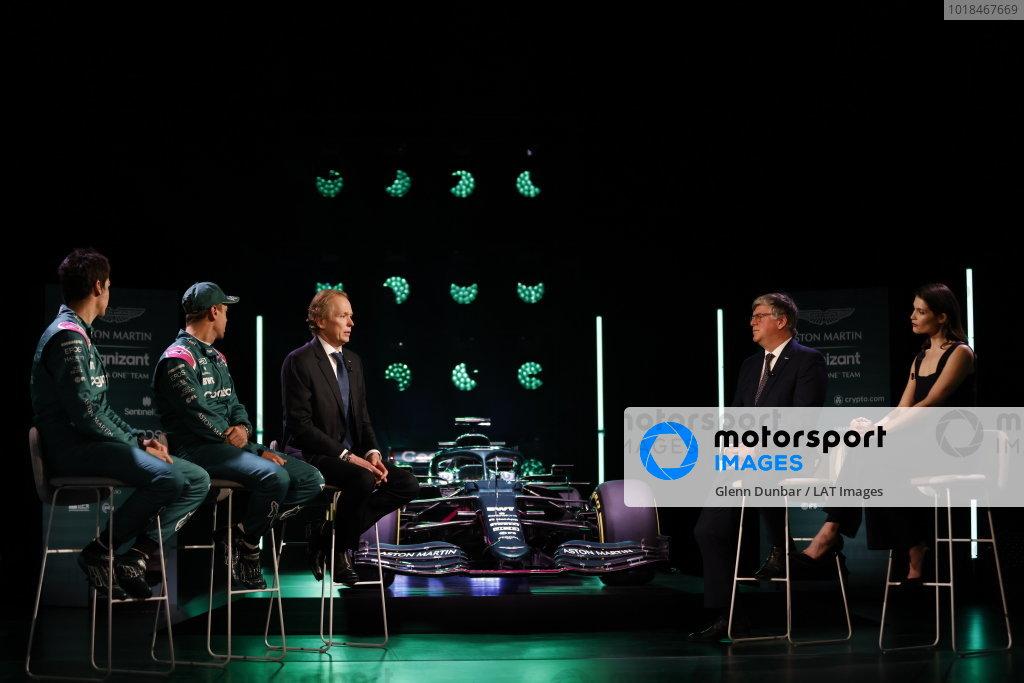 Lance Stroll, Aston Martin, Sebastian Vettel, Aston Martin, Andrew Green, Technical Director, Aston Martin F1, Otmar Szafnauer, Team Principal and CEO, Aston Martin F1, and Gemma Arterton, with the AMR21