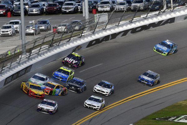 #22: Joey Logano, Team Penske, Ford Mustang Shell Pennzoil and #18: Kyle Busch, Joe Gibbs Racing, Toyota Camry M&M's wreck