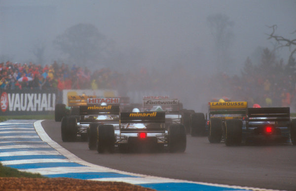 1993 European Grand Prix. Donington Park, England. 9-11 April 1993. The back of the grid makes its way around Redgate at the start. Ref-93 EUR 18. World Copyright - LAT Photographic