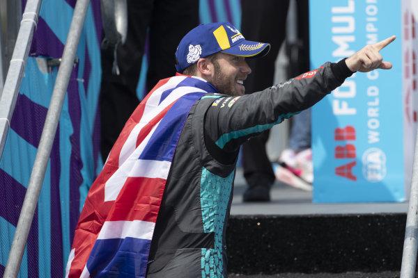 Sam Bird (GBR), Jaguar Racing, 1st position, heads on to the podium