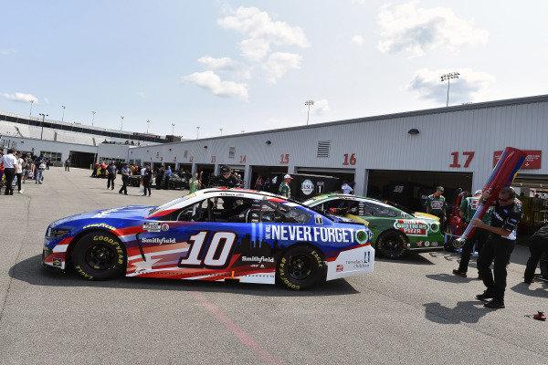 #10: Aric Almirola, Stewart-Haas Racing, Ford Mustang Smithfield/Tuesday's Children