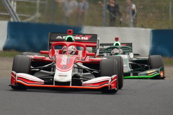 Winner Kenta Yamashita, Kondo Racing, Dallara SF19 Honda