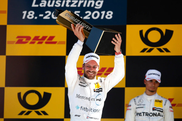 Podium: Race winner Gary Paffett Mercedes-AMG Team HWA.