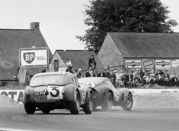 1963 Le Mans 24 Hours.Le Mans, France. 15th - 16th June 1963.Peter Bolton/Ninian Sanderson (A.C Cobra), 7th position.World Copyright:LAT PhotographicRef:L63/178/9