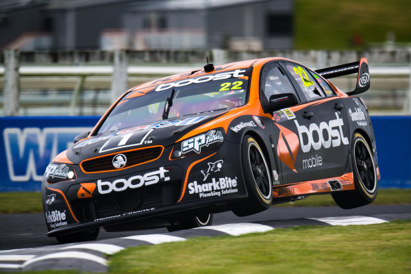 2017 Supercars Championship Round 14.  Auckland SuperSprint, Pukekohe Park Raceway, New Zealand. Friday 3rd November to Sunday 5th November 2017. James Courtney, Walkinshaw Racing.  World Copyright: Daniel Kalisz/LAT Images  Ref: Digital Image 031117_VASCR13_DKIMG_1002.jpg