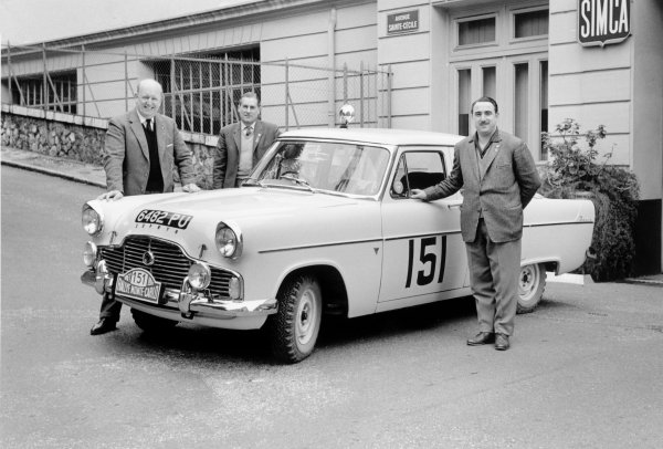 Monte Carlo, Monaco. January 1961. Ian Walker / Gerry Burgess / S.Croft-Pearson(Ford Zephyr) 2nd in Class. Portrait. World Copyright: LAT Photographic ref: 8973F/5A-6