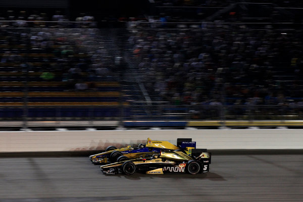 17-18 July, 2015, Newton, Iowa USA Ryan Briscoe battles Marco Andretti ?2015, Phillip Abbott LAT Photo USA