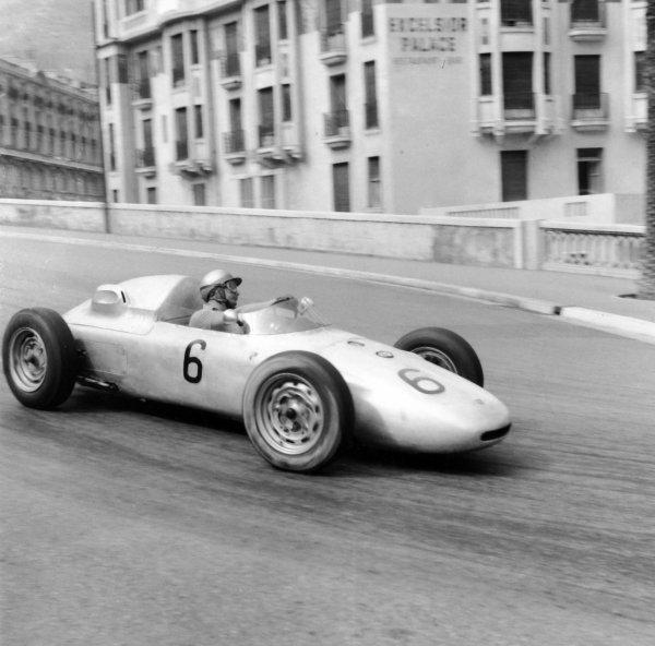 1961 Monaco Grand Prix.Monte Carlo, Monaco.11-14 May 1961.Hans Herrmann (Porsche 718) 9th position.Ref-8709.World Copyright - LAT Photographic