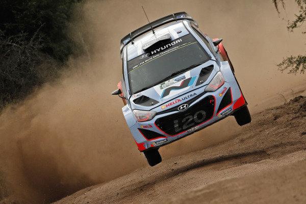 Thierry Neuville (BEL) / Nicolas Gilsoul (BEL) Hyundai i20 WRC. FIA World Rally Championship, Rd5, Rally Argentina, Day One, Cordoba-Villa Carlos Paz, Argentina, 9 May 2014.