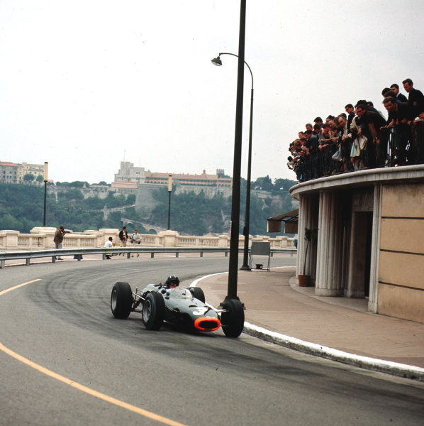 Monte Carlo, Monaco.28-30 May 1965.Graham Hill (BRM P261) 1st position.Ref-3/1626.World Copyright - LAT Photographic