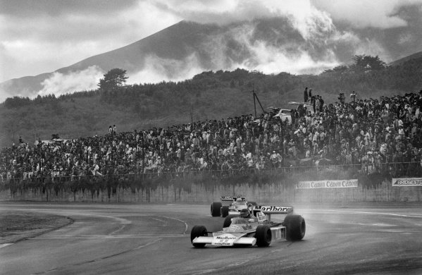 Fuji, Japan. 22nd - 24th October 1976. James Hunt (McLaren M23-Ford), 3rd position to clinch the World Championship title, action.  World Copyright: LAT Photographic Ref: B/W Print.
