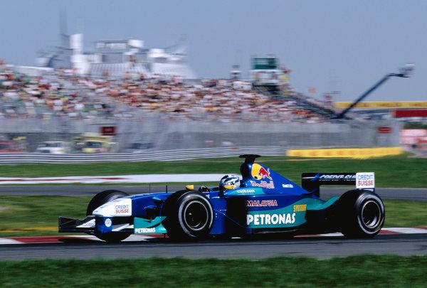 2001 Canadian Grand Prix.Montreal, Quebec, Canada. 8-10 June 2001.Kimi Raikkonen (Sauber C20 Petronas).Ref-01 CAN 26.World Copyright - Clive Rose/LAT Photographic