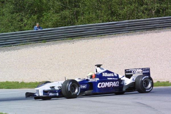 2001 Austrian Grand Prix.A1-Ring, Zeltweg, Austria.11-13 May 2001.Ralf Schumacher (Williams FW23 BMW) spins.World Copyright - LAT Photographicref: 8 9 MB Digital