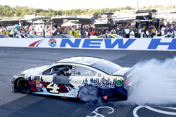 #4: Kevin Harvick, Stewart-Haas Racing, Ford Mustang Busch Beer / National Forest Foundation