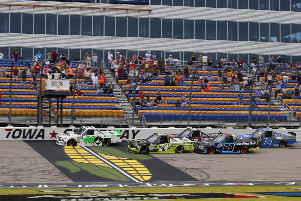 #44: Ross Chastain, Niece Motorsports, Chevrolet Silverado TruNorth/Paul Jr. Designs and #24: Brett Moffitt, GMS Racing, Chevrolet Silverado