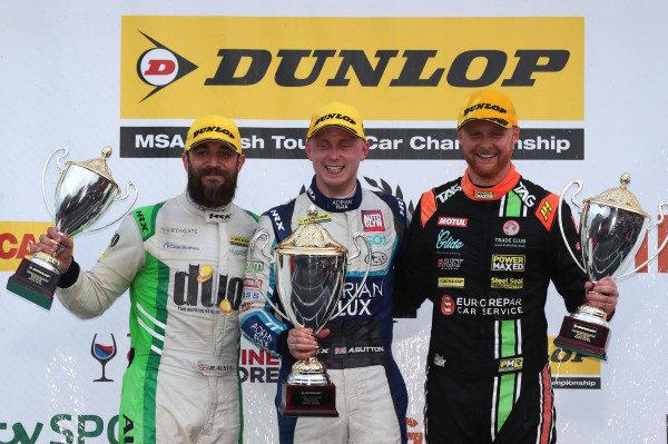 Rob Austin (GBR) HMS Racing Alfa Romeo Giulietta, Ash Sutton (GBR) Team BMR Subaru Levorg and Josh Cook (GBR) Power Maxed Racing Vauxhall Astra