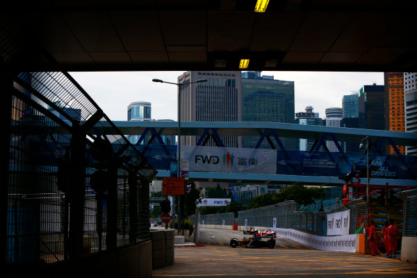 Suzuka Circuit, Japan. Sunday 09 October 2016. Sebastien Buemi (9, Renault e.dams) World Copyright: Zak Mauger/LAT Photographic ref: Digital Image _X0W1764