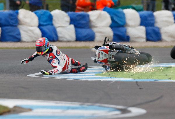 2015 World Superbike Championship.  Donington Park, UK.  23rd - 24th May 2015.  Michael van der Mark, Pata Honda, crashes at the Esses.  Ref: KW7_5903a. World copyright: Kevin Wood/LAT Photographic
