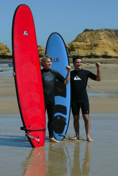 2004 Australian Grand Prix Melbourne, Australia. 1st March 2004. Jordan Drivers, Nick Heidfeld and Giorgio Pantano visit Torquay beach to try Surfing.World Copyright: LAT Photographic/Coates ref: Digital Image Only