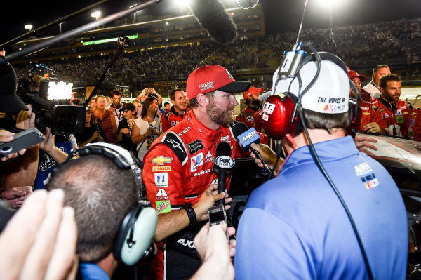 Monster Energy NASCAR Cup Series Ford EcoBoost 400 Homestead-Miami Speedway, Homestead, FL USA Sunday 19 November 2017 Dale Earnhardt Jr, Hendrick Motorsports, Axalta Chevrolet SS. World Copyright: John K Harrelson LAT Images