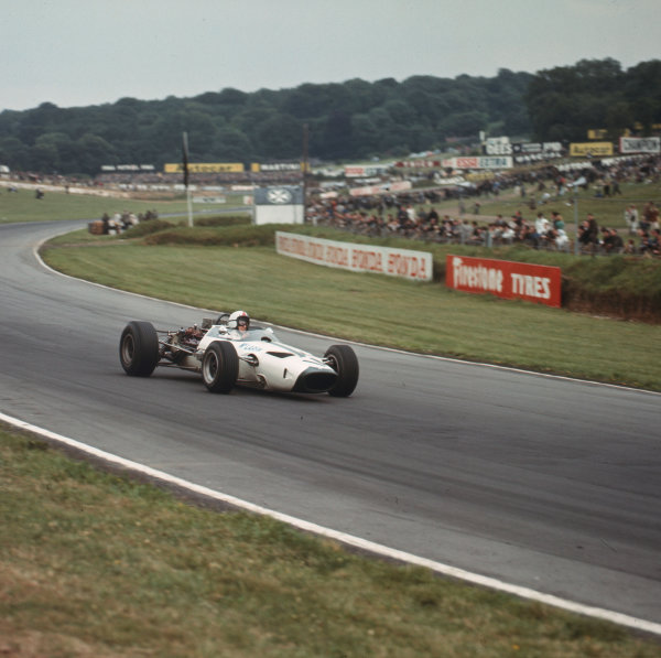 Brands Hatch, England.14-16 July 1966.Bruce McLaren (McLaren M2B Serenissima) 6th position.Ref-3/2256.World Copyright - LAT Photographic