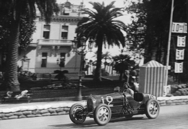 """Monte Carlo.14 April 1929.""""W Williams"""" (real name William Grover-Williams, Bugatti T35B), 1st position.Published-Autocar 26/4/1929 p839.World Copyright - LAT Photographic"""
