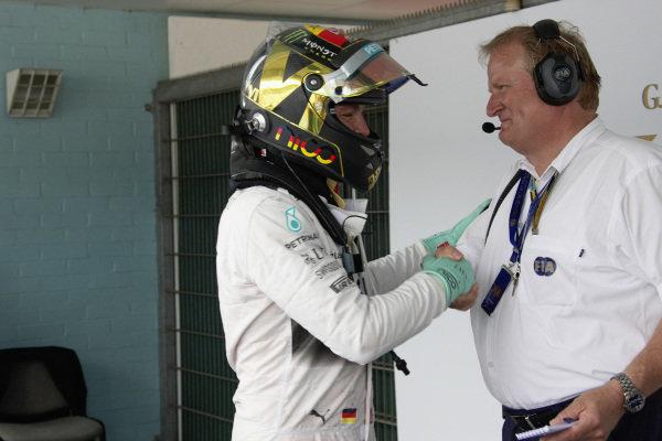 Jo Bauer congratulates Nico Rosberg.