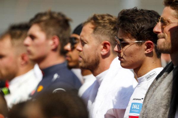 Max Verstappen, Red Bull Racing, Sebastian Vettel, Ferrari, Lando Norris, McLaren, Romain Grosjean, Haas F1, and the other drivers on the grid prior to the start