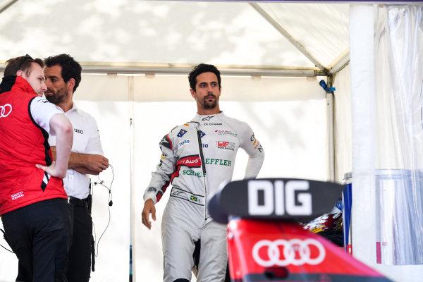 Lucas Di Grassi (BRA), Audi Sport ABT Schaeffler, gets dressed in the garage