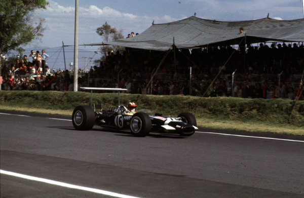 1968 Mexican Grand Prix.Mexico City, Mexico.1-3 November 1968.Jo Siffert (Lotus 49B-Ford) 6th position.Ref-68 MEX 21.World Copyright - LAT Photographic