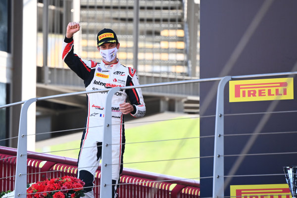 Theo Pourchaire (FRA, ART GRAND PRIX) celebrates on the podium