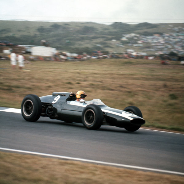 East London, South Africa.27-29 December 1962.Tony Maggs (Cooper T60 Climax) 3rd position.Ref-3/0762.World Copyright - LAT Photographic