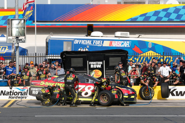 Monster Energy NASCAR Cup Series Monster Energy NASCAR All-Star Race Charlotte Motor Speedway, Concord, NC USA Friday 19 May 2017 Martin Truex Jr, Furniture Row Racing, 5-hour Energy Extra Strength Toyota Camry World Copyright: Matthew T. Thacker LAT Images ref: Digital Image 17CLT1mt1362