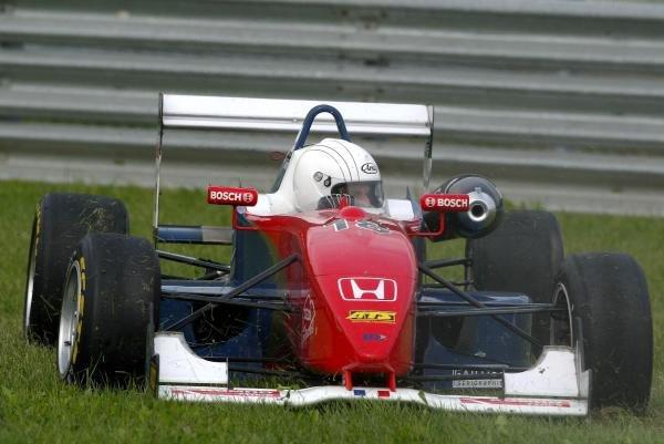 Stefano Proetto (ITA) LD Autosport Dallara Mugen Honda, spinning off the track into the grass.F3 Euro Series, Rd13 & Rd14, A1-Ring, Austria, 6 September 2003.DIGITAL IMAGE