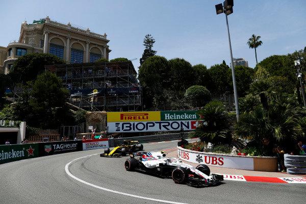 Lance Stroll, Williams FW41 Mercedes, leads Carlos Sainz Jr., Renault Sport F1 Team R.S. 18.