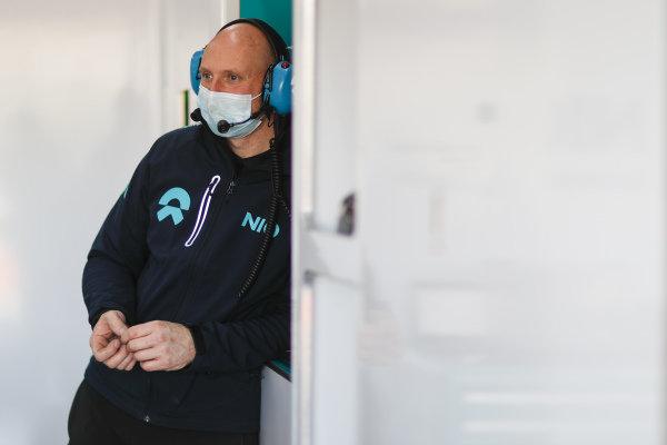 NIO 333 team at work
