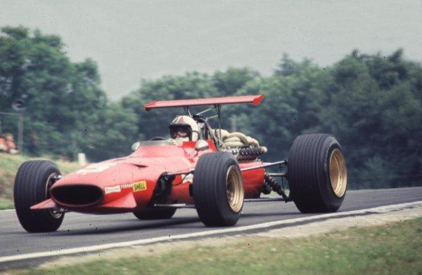 1968 British Grand Prix.Brands Hatch, England.18-20 July 1968.Chris Amon (Ferrari 312) 2nd position.Ref-68 GB 32.World Copyright - LAT Photographic