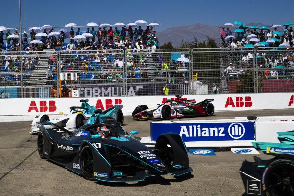 Gary Paffett (GBR), HWA Racelab, VFE-05 leads Oliver Turvey (GBR), NIO Formula E Team, NIO Sport 004 and Lucas Di Grassi (BRA), Audi Sport ABT Schaeffler, Audi e-tron FE05