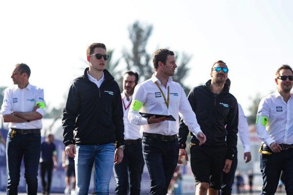 Stoffel Vandoorne (BEL), HWA Racelab and Gary Paffett (GBR), HWA Racelab, on a track walk with their team