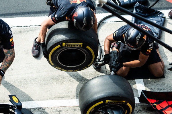 Red Bull Racing pit stop practise with the Red Bull Racing RB15