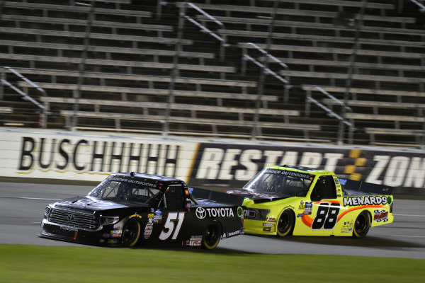 #51: Greg Biffle, Kyle Busch Motorsports, Toyota Tundra Toyota and #88: Matt Crafton, ThorSport Racing, Ford F-150 Chi-Chi's/Menards