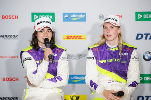 Jamie Chadwick (GBR) and Beitske Visser (NLD) in the press conference
