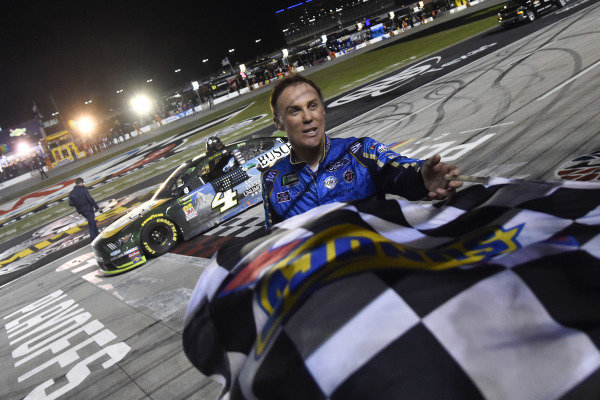 #4: Kevin Harvick, Stewart-Haas Racing, Ford Mustang Busch Beer / Ducks Unlimited celebrates his win