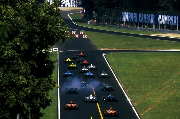 Braking hard the cars go into the first chicane Italian GP, Monza, 10 September 2000