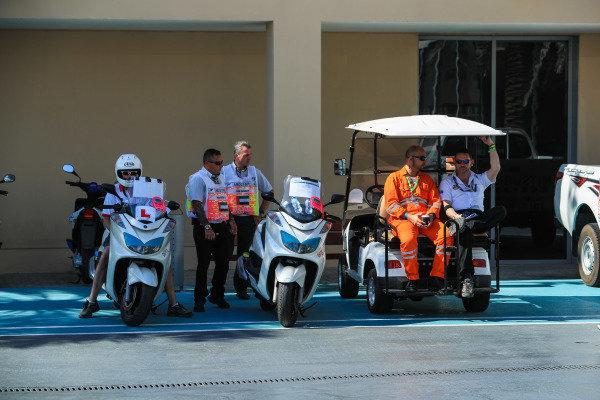 Buggy at Formula One World Championship, Rd20, Abu Dhabi Grand Prix, Race, Yas Marina Circuit, Abu Dhabi, UAE, Sunday 26 November 2017.