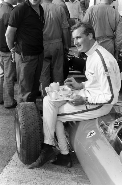 Mike Parkes enjoys a tea break on his Ferrari 312.