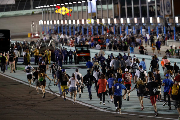 NASCAR XFINITY Series Ford EcoBoost 300 Homestead-Miami Speedway, Homestead, FL USA Saturday 18 November 2017 Fans run down the track to victory lane World Copyright: Michael L. Levitt LAT Images