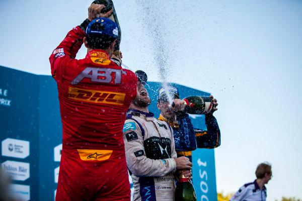 2015/2016 FIA Formula E Championship. Buenos Aires ePrix, Buenos Aires, Argentina. Saturday 6 February 2016. Sebastien Buemi (SUI), Renault e.Dams Z.E.15, Sam Bird (GBR), DS Virgin Racing DSV-01, Lucas Di Grassi (BRA), ABT Audi Sport FE01. Photo: Zak Mauger/LAT/Formula E ref: Digital Image _MG_8389