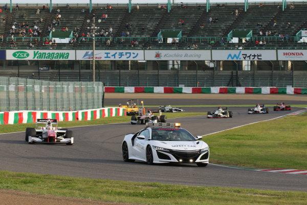 2016 Japanese Super Formula. Suzuka, Japan. 29th - 30th October 2016. Rd 7. Race 2 - Safety car, action. World Copyright : Yasushi Ishihara / LAT Photographic. Ref : 2016SF_Rd7_SUZUKA_017