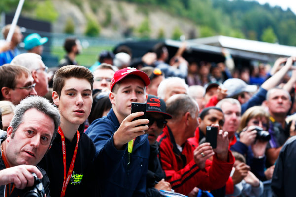 Spa-Francorchamps, Spa, Belgium. Thursday 21 August 2014. Fans wait to meet the drivers. World Copyright: Andy Hone/LAT Photographic. ref: Digital Image _ONZ5315